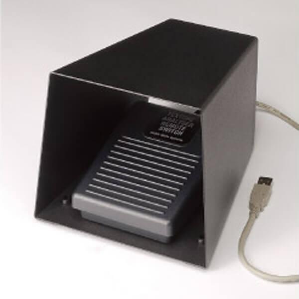 Los pedales permiten activar de forma remota el analizador de textura para no tener que tocar el teclado entre muestras